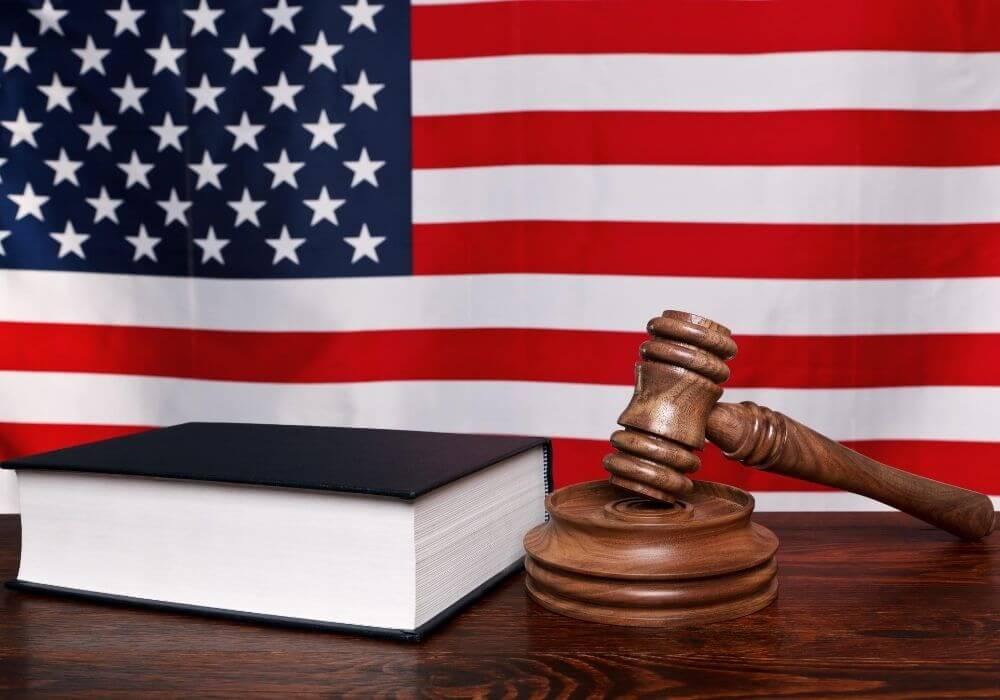 連邦法と手法